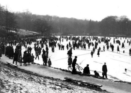 Little lake frozen